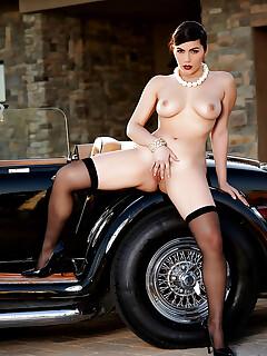 Stocking clad Euro babe Valentina Nappi unveiling phat pornstar ass outside