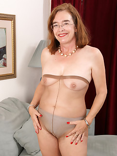 Mature Pictures Featuring 58 Year Old Melody Garner From AllOver30