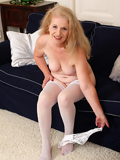 Mature Pictures Featuring 62 Year Old Nelli From AllOver30