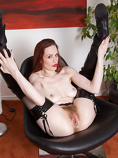 Mature Pictures Featuring 30 Year Old Mystique From AllOver30