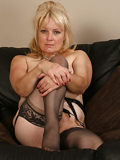 Older Women Stockings Pics