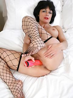 Anilos Barbie Stroker fucks a huge sex toy