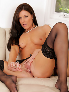 Anilos.com - Freshest mature women on the net featuring Anilos India Summer real anilos