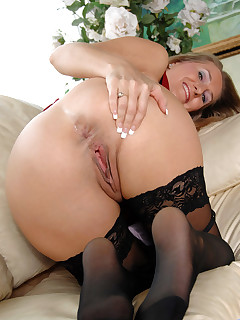 Anilos.com - Freshest mature women on the net featuring Anilos Sara James horny milf