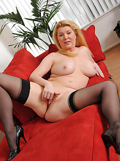 Anilos.com - Freshest mature women on the net featuring Anilos Venice Knight big boob anilos