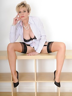 Lady Sonia - lady sonia asked to undress