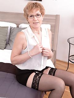 40 Something - In any language, Georgina's an old slut - Georgina (64 Photos)