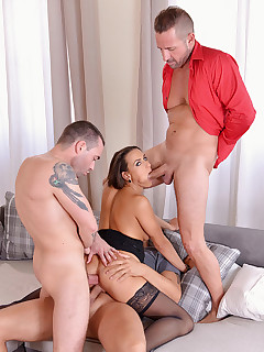 Foursome Heaven - Czech Glamour Babe Gets Hardcore Fucked free photos and videos on HandsonHardcore.com