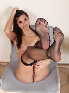 NylonUp Free Gallery - Hot and naughty girls in nylons for you