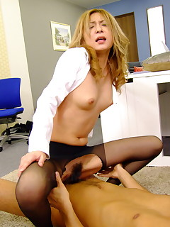 Nasty office slut Nao loves rough group sex | Japan HDV
